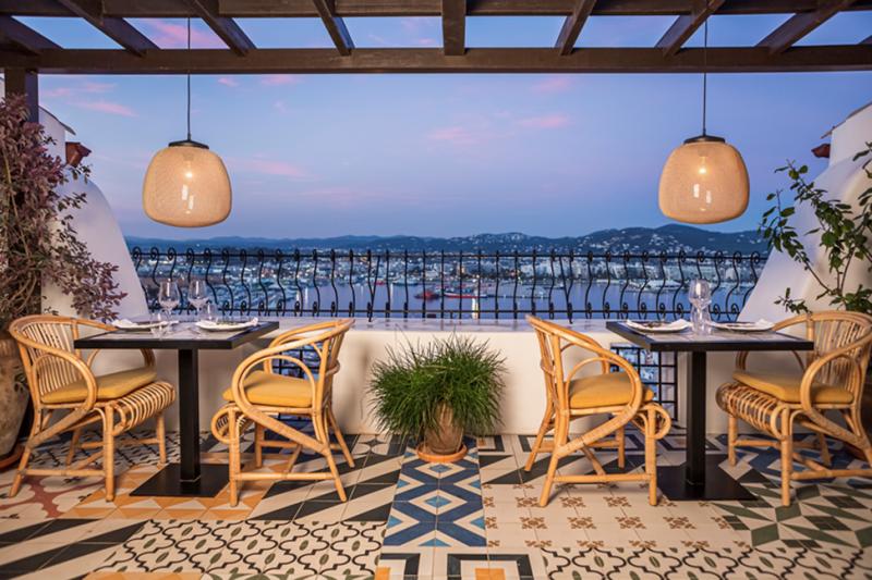 El Corsario Restaurant & Terrace abre sus puertas