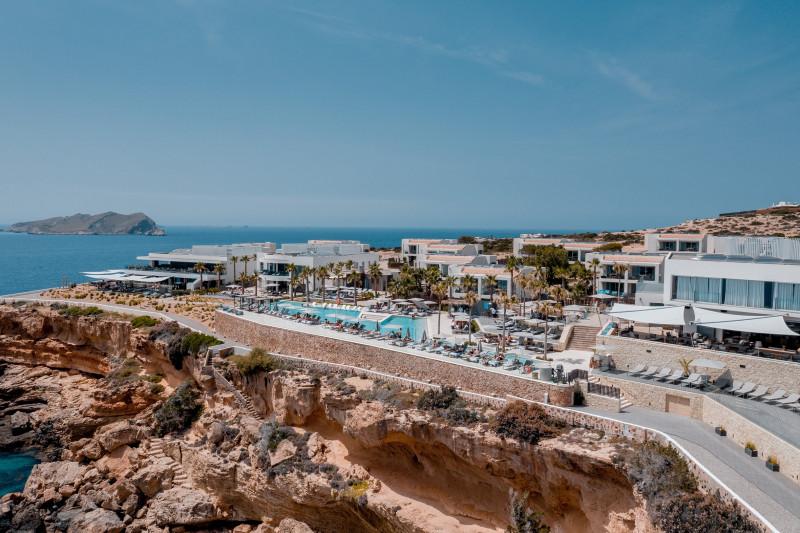 Destination by Hyatt se estrena en Europa con 7Pines Resort Ibiza