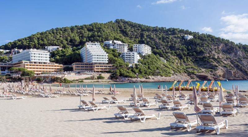 ADH Hotels & Resorts anuncia la apertura de Cala Llonga Resot Ibiza