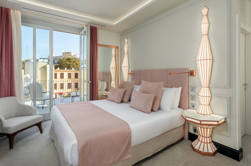 Kike Sarasola inaugura Room Mate Filippo y Gran Filippo Apartments