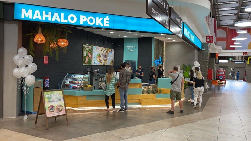 Mahalo Poké abre tres nuevos restaurantes