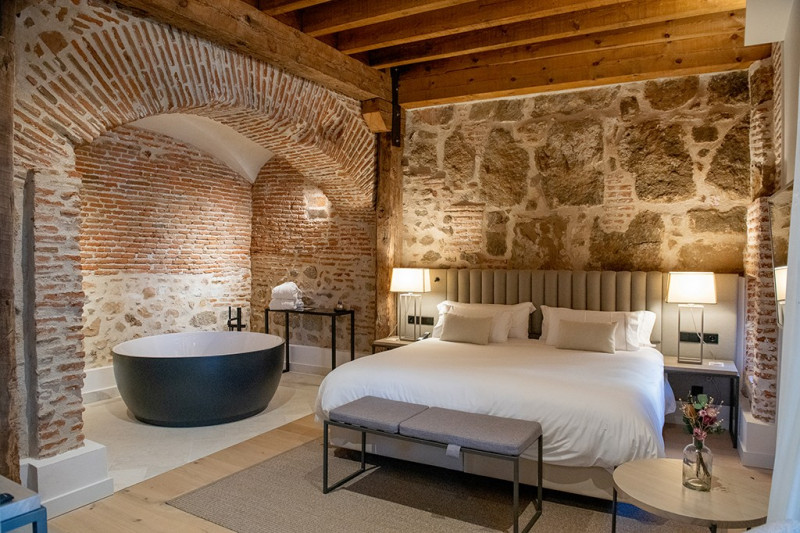 Requena y Plaza renueva el hotel Sofraga Palacio en Ávila
